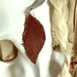 Unique leather feathers